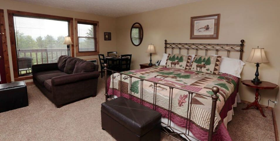 Relaxing and Romantic Inn Suite
