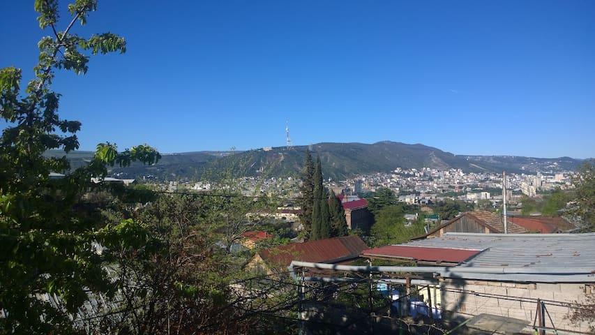 Дом с видом на центр - Tbilisi - Hus
