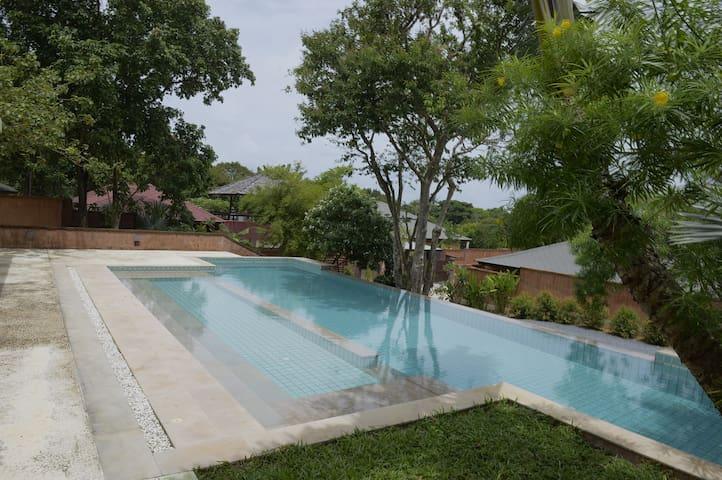 Villa-Thailand, Ko Lanta/pool, garden,see view/