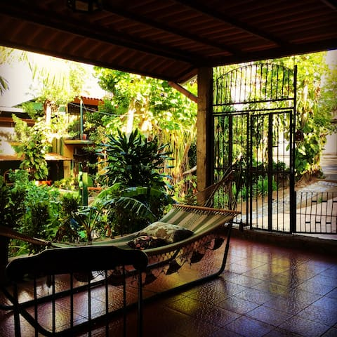 Beautiful Apartment in Best Location - Managua - Flat