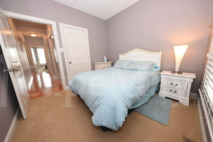 2nd Bedroom - double size bed