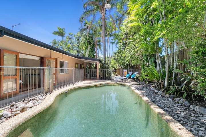 Private Tropical Hideaway in Kewarra Beach - Kewarra Beach - Hus