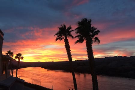 AZ RIVERFRONT Condo!!! The best of the best!!! - Bullhead City