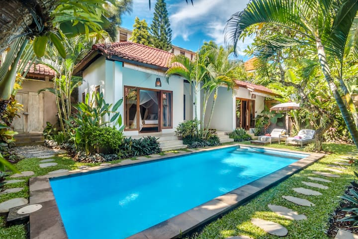 Villa Bisi, 3 Bedroom Villa CLOSE to the BEACH