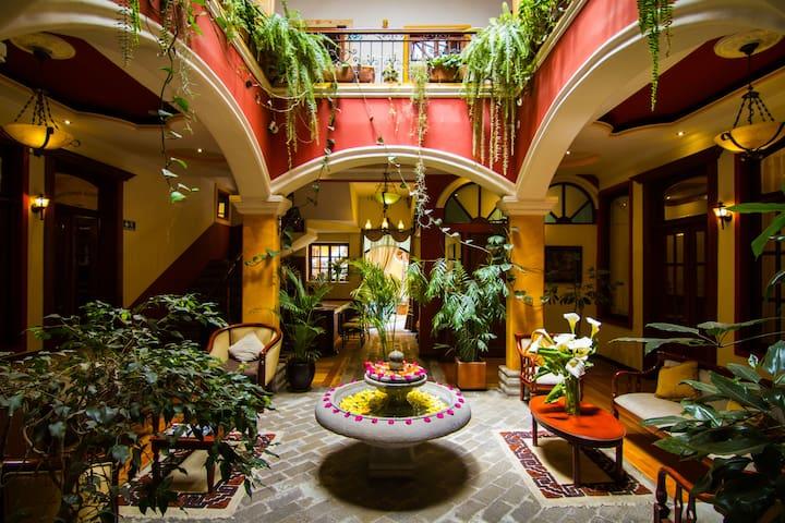 Boutique Hotel - Riobamba Center