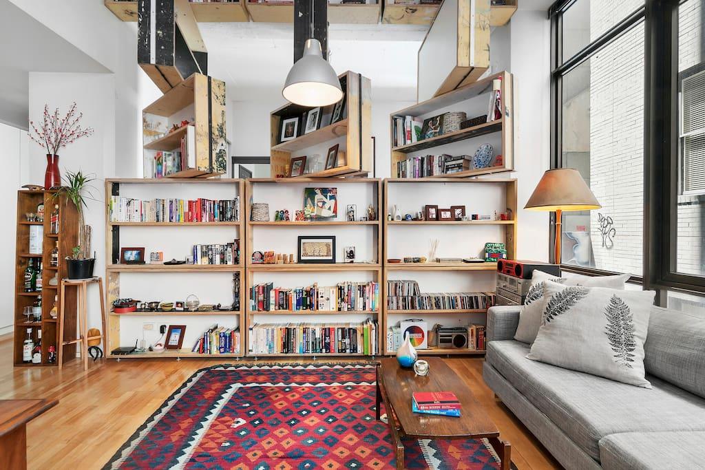 Chic Designer Warehouse Apartment on Flinders Lane ...