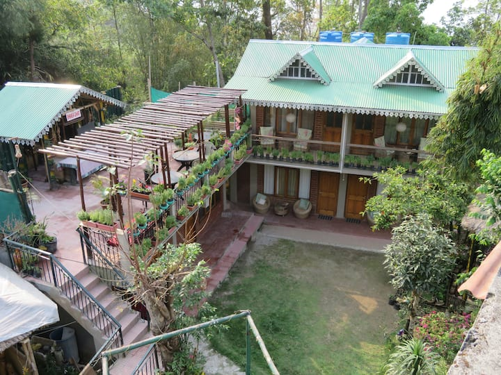 Roots, Shoots and Beds, Boutique Homestay