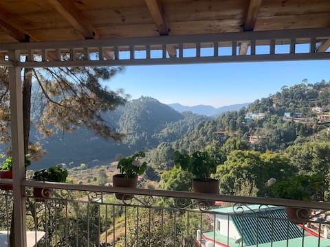 Cozy Cottage HomeStay, Midway Nainital & Bheemtal