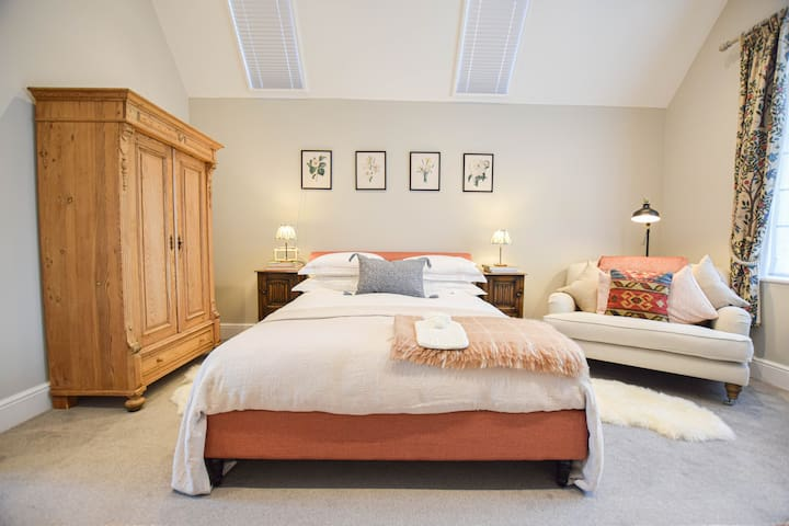 Beautifully Decorated Self-Contained Annexe