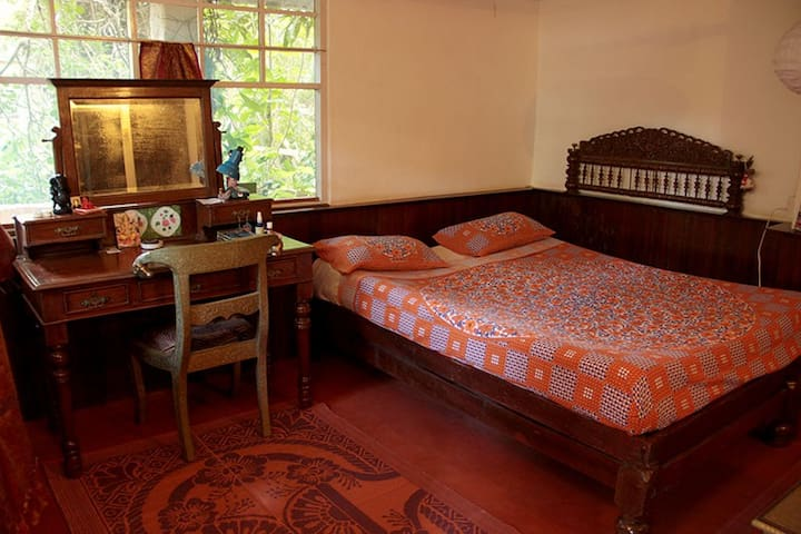 A Private room in Auroville - Bommayapalayam - Bed & Breakfast