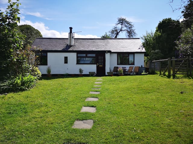 Cottage in heart of Clwydian Mountain Range