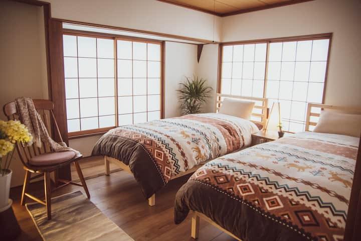 ツイン konayuki 赤倉観光リゾートスキー場まで徒歩2分のBARがある宿