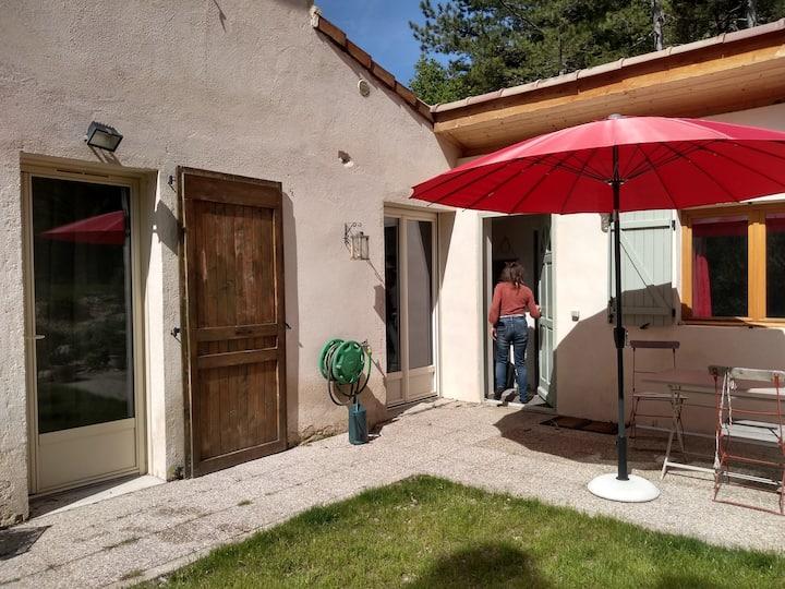 Petite maison avec jardin au pied du Vercors