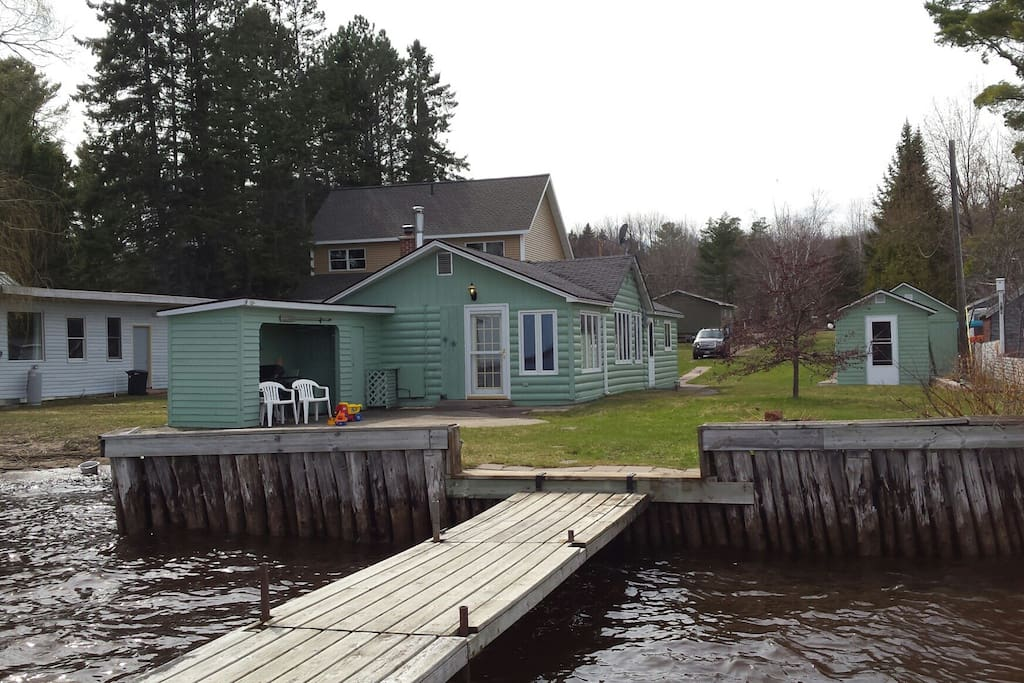 Portage Lake Relaxing Getaway Cottages For Rent In