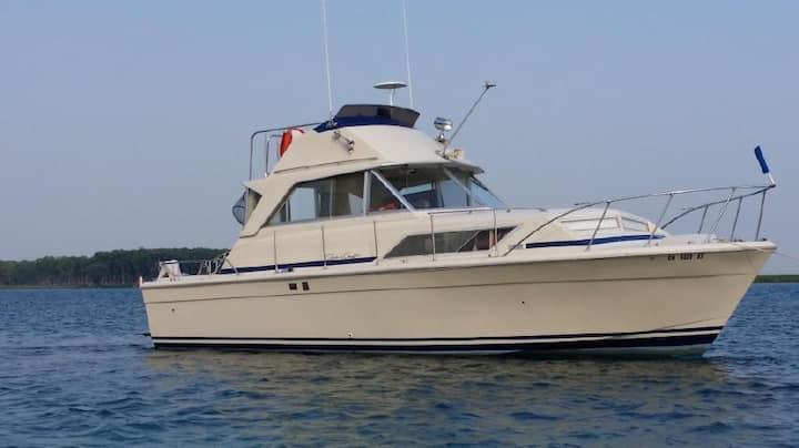 Boat B&B Chris Craft 33