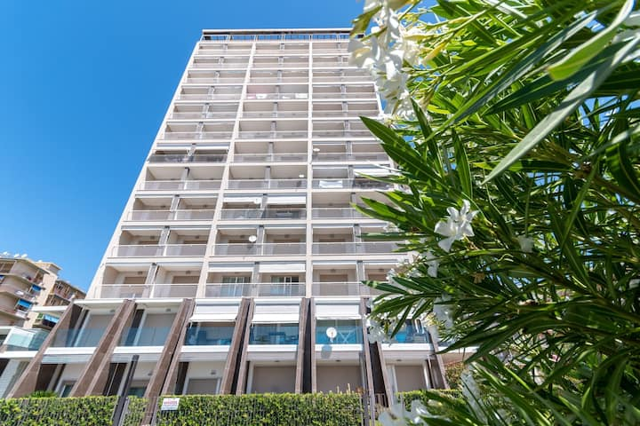 Beachfront Apartment in Arma di Taggia with Balcony