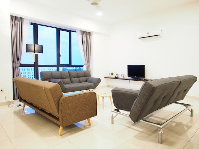 (NEW)LUXURY Home - A Gem in Straits Quay •Promo•