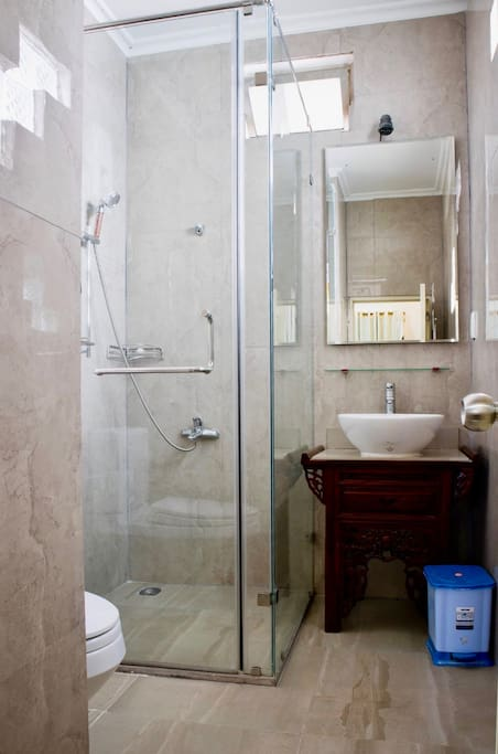 Modern ensuite available