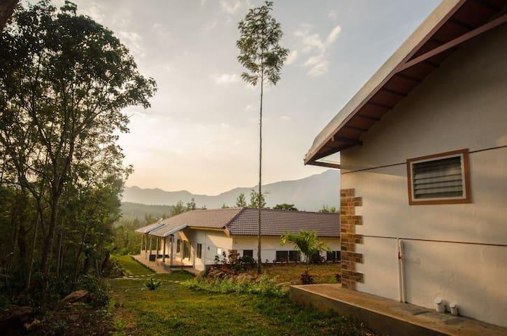Chittara - A Courtyard Home (1)