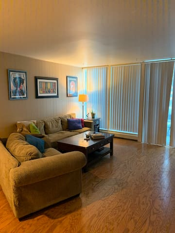 One room in 2 bdrm condo Downtown Boulder!