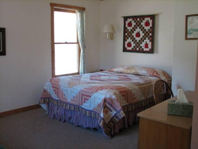 Rinker Cabin at Mt. Elbert Lodge - Twin Lakes - Houten huisje