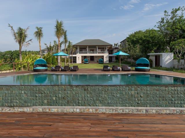 Clifftop Pandawa Cliff Estate - Villa Rose, 4BR, The Bukit w/ chef