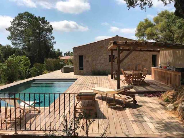 Magnificent Villa with pool Porto Vecchio