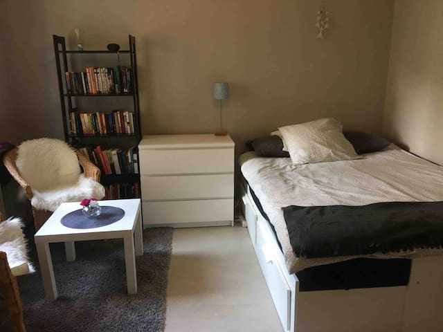 "Small ""apartment"" - 20min from Stockholm city!"