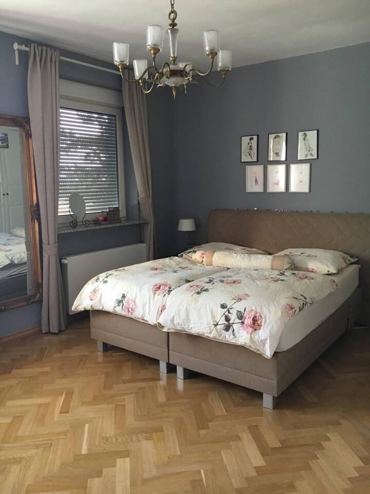 Hübsches, geräumiges Zimmer