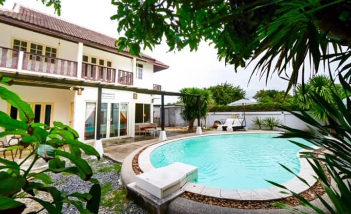 Bangrak Pool Villa - 2BR. 5mins walk to the beach