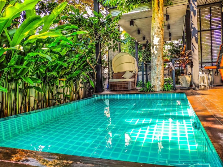 Kritaya Villa 曼谷泳池花园别墅(กฤตญาคอนโดมิเนียม)