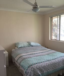 Entire 2 bedroom unit - Sutherland