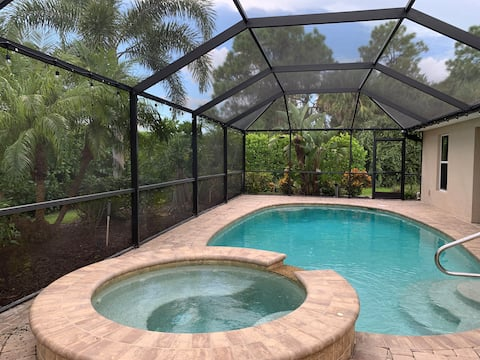 """""""Salty Starfish"""" Cape Coral Pool Home"""