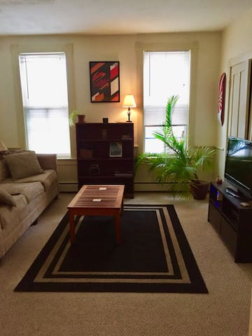 Comfortable Stay Seconds from Downtown NBPT!