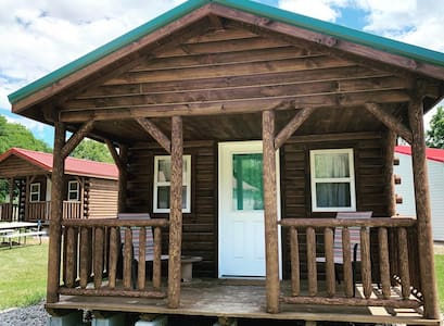 One Room  Lakeside Cabin (Green Roof)