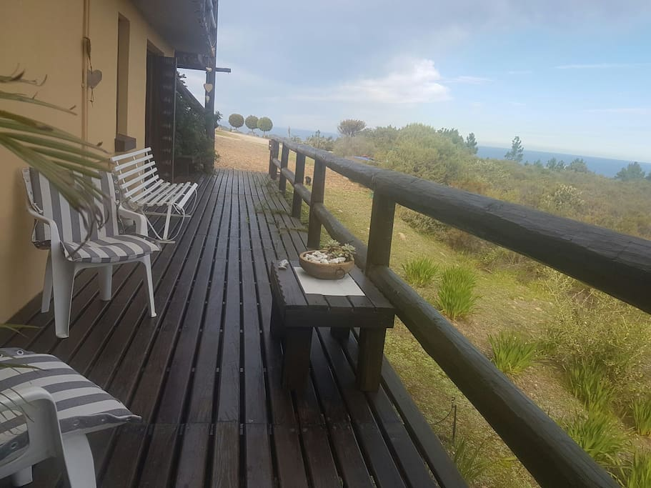 Beautifull deck to relax in front of the rooms availible