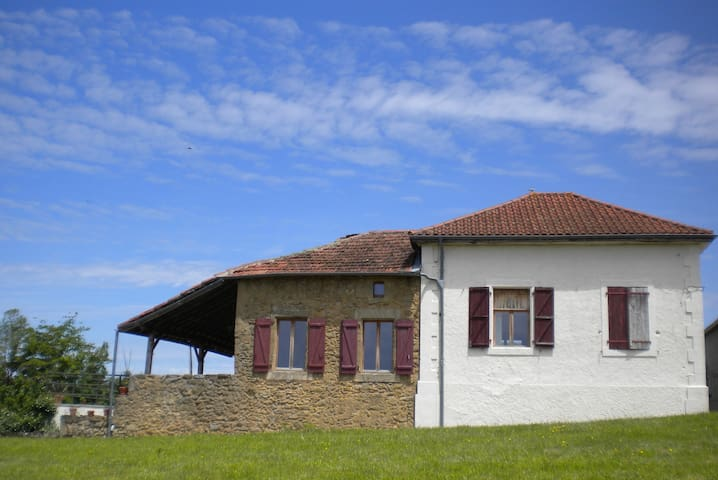 Ancienne Ecole Bed and Breakfast - Beam Room - Cazaux-Villecomtal - Penzion (B&B)