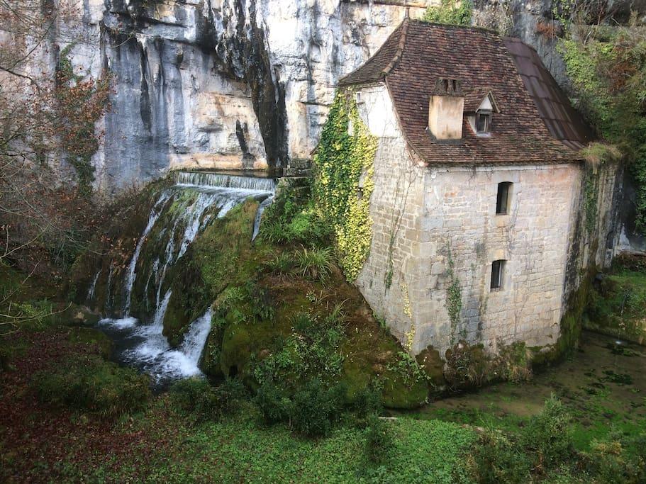 le moulin et sa cascade