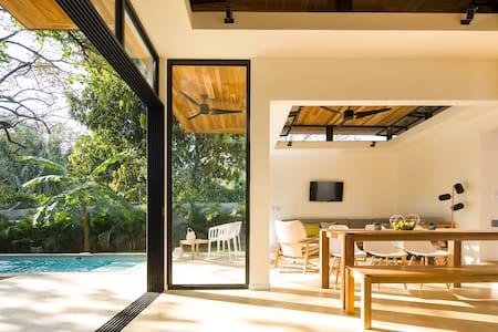 \\ Brand New \\ Nalu Nosara Pool Villa Sombra