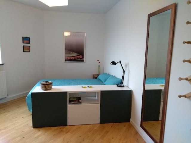 Spacious room close to sea and center of Aarhus