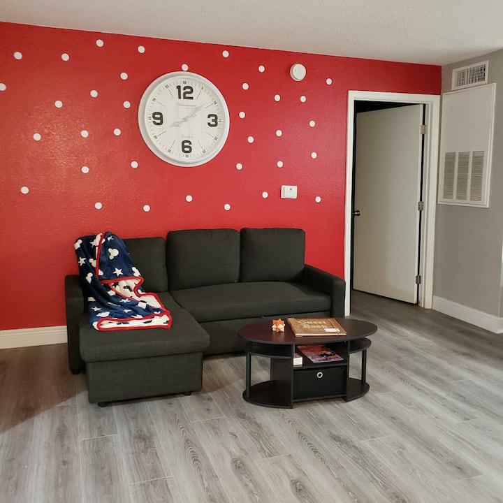 2 bedroom ap Beautifully designe near Disney!!