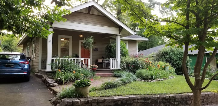 Inman Park lifestyle- great space and yard