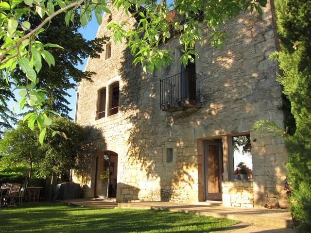 LE CLOS ST.JULIEN-16th century Manor house-pool