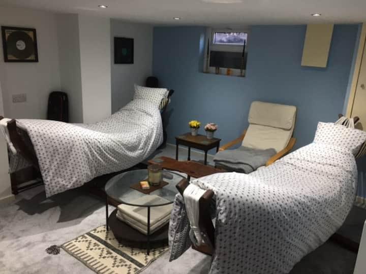 Homely Headingley House with Cinema Room & Sky TV