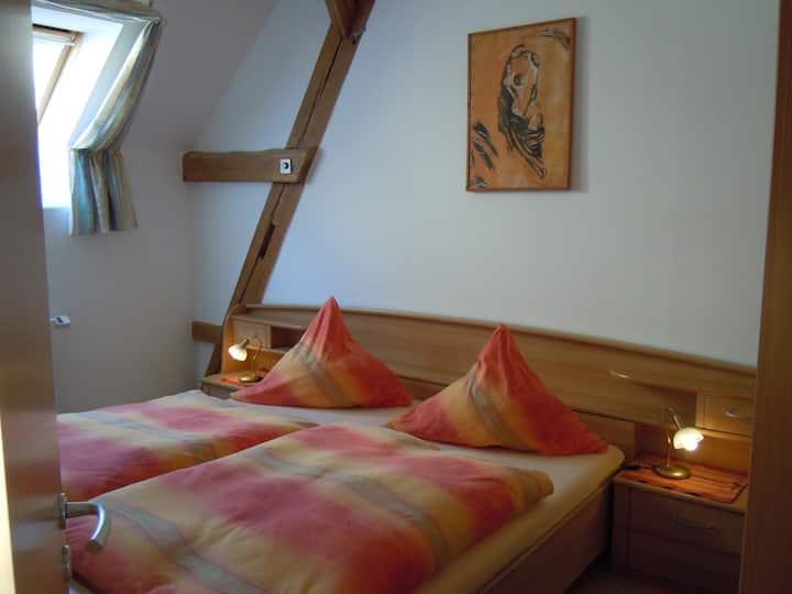 Ferienhaus Teubner (Merkendorf), Ferienwohnung 5 mit Balkon