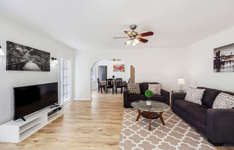LAD73 - Terrific, private 1BR/1BA in WeHo!