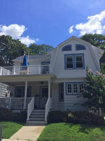 Beautiful Beach House-4 blocks from the beach - Asbury Park - House