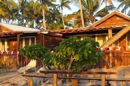 Teukava Beach Oasis:  Queen Studio Fale - Ha'atafu