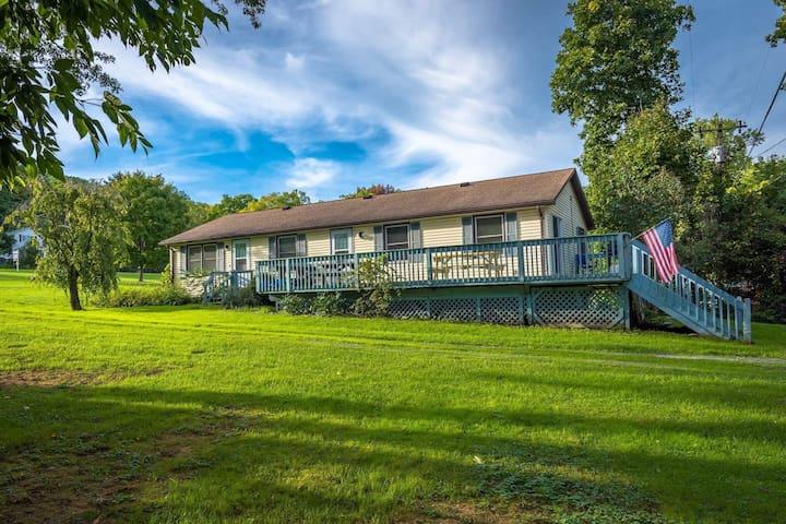 Field House - Honeoye Lake Rentals