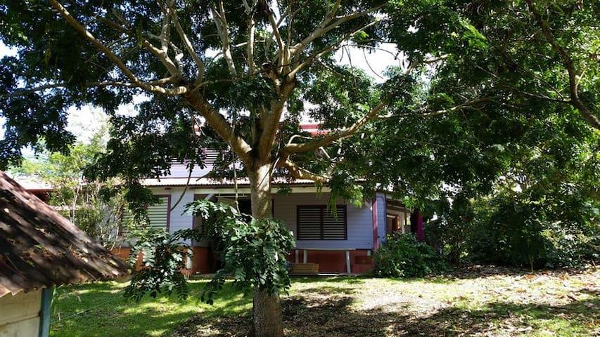 Maison créole bois avec jardin - Rivière-Salée - Casa